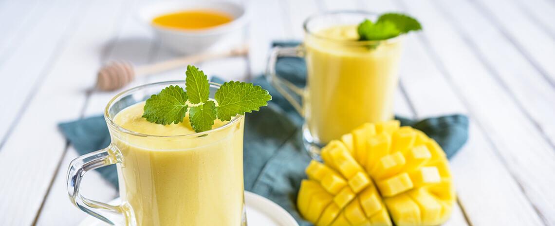 Batido cremoso con Yogur de mango Colanta